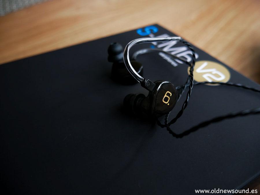 Unboxing Earsonics S-EM6 V2