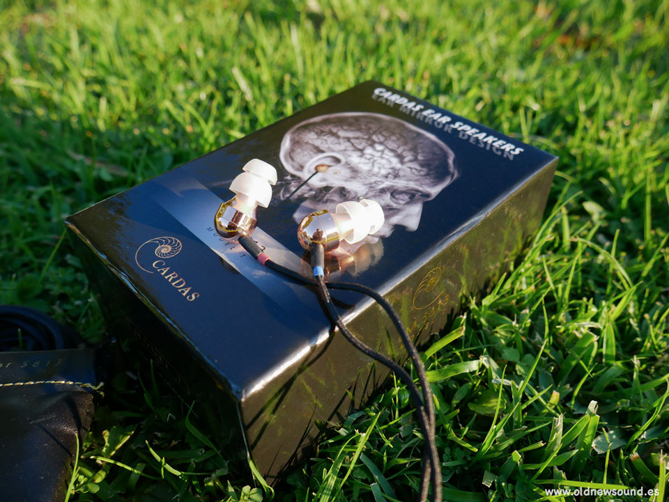 Cardas EM 5813 | Review
